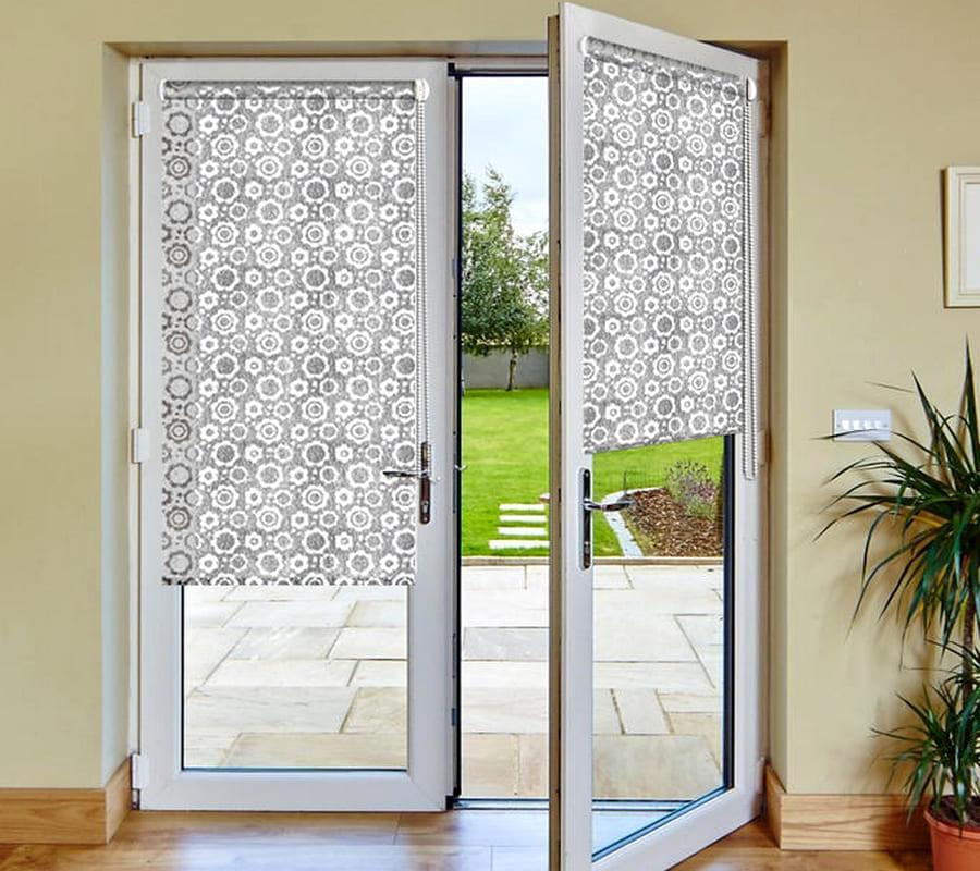 купить рулонные шторы для балконной двери